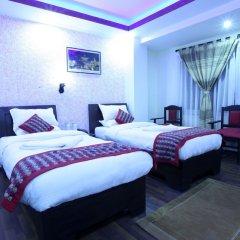 Отель Alpine Hotel & Apartment Непал, Катманду - отзывы, цены и фото номеров - забронировать отель Alpine Hotel & Apartment онлайн комната для гостей фото 5