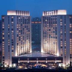 Отель Grand Hyatt Guangzhou Гуанчжоу вид на фасад