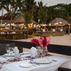 Отель First Landing Beach Resort & Villas питание фото 2