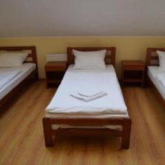 Отель Sveciu Namai Klaipeda Inn Литва, Клайпеда - отзывы, цены и фото номеров - забронировать отель Sveciu Namai Klaipeda Inn онлайн комната для гостей фото 5