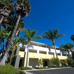 Отель Lemon Tree Inn парковка