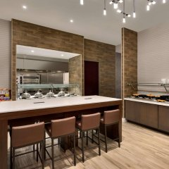 Отель Hilton Garden Inn New York Times Square South питание