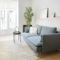 Апартаменты Easo Plaza Apartment by FeelFree Rentals комната для гостей фото 3