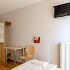 Отель A&O Wien Stadthalle Австрия, Вена - 11 отзывов об отеле, цены и фото номеров - забронировать отель A&O Wien Stadthalle онлайн удобства в номере фото 2