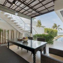 Отель X2 Hua Hin LeBayburi Pranburi Villa балкон