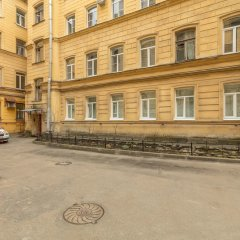 Гостиница Apartaments on Saperniy 8 парковка