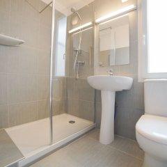 Отель Hôtel du Helder Франция, Лион - 1 отзыв об отеле, цены и фото номеров - забронировать отель Hôtel du Helder онлайн ванная фото 2