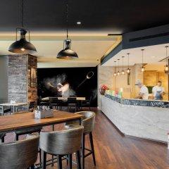 Отель Hyatt Regency Dubai Creek Heights гостиничный бар