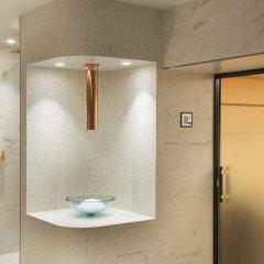 Отель Le Narcisse Blanc & Spa Франция, Париж - 1 отзыв об отеле, цены и фото номеров - забронировать отель Le Narcisse Blanc & Spa онлайн бассейн