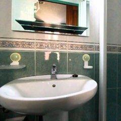 Отель Hostal Estela Испания, Мадрид - отзывы, цены и фото номеров - забронировать отель Hostal Estela онлайн ванная фото 2