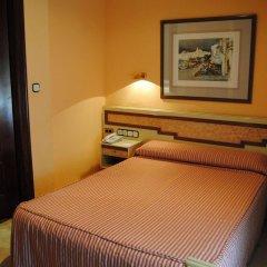 Отель Reina Cristina комната для гостей