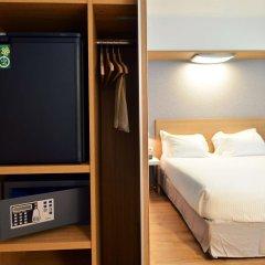 Отель Hilton Garden Inn Milan North Италия, Милан - - забронировать отель Hilton Garden Inn Milan North, цены и фото номеров сейф в номере