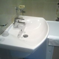 Гостиница Пахра в Подольске 7 отзывов об отеле, цены и фото номеров - забронировать гостиницу Пахра онлайн Подольск ванная