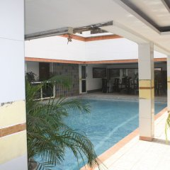 Отель Adwoa Wangara бассейн фото 2