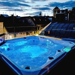 Jupiter Luxury Hotel бассейн