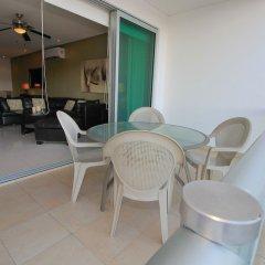 Отель Downtown Apartment Oasis 12 Мексика, Плая-дель-Кармен - отзывы, цены и фото номеров - забронировать отель Downtown Apartment Oasis 12 онлайн балкон