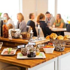 Отель Lisebergsbyn Karralund Швеция, Гётеборг - отзывы, цены и фото номеров - забронировать отель Lisebergsbyn Karralund онлайн питание фото 2