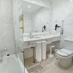 Отель Bahia Tropical Альмуньекар ванная