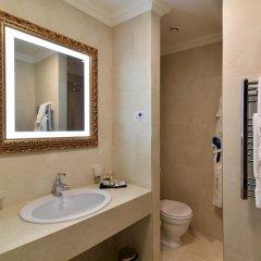 Отель Grand Hotel Yerevan Армения, Ереван - 4 отзыва об отеле, цены и фото номеров - забронировать отель Grand Hotel Yerevan онлайн ванная фото 2