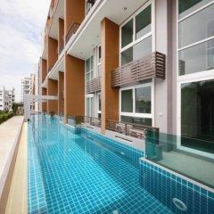 Отель Chrisma Condo by Renvio Таиланд, Бангкок - отзывы, цены и фото номеров - забронировать отель Chrisma Condo by Renvio онлайн бассейн