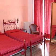 Hotel Italia комната для гостей