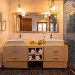 Отель Rodos Niohori Elite Suites ванная фото 2