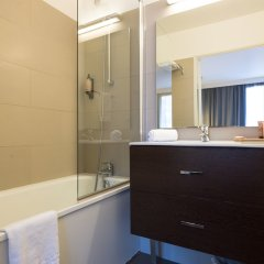Отель Citadines Part-Dieu Lyon Франция, Лион - 3 отзыва об отеле, цены и фото номеров - забронировать отель Citadines Part-Dieu Lyon онлайн ванная фото 2