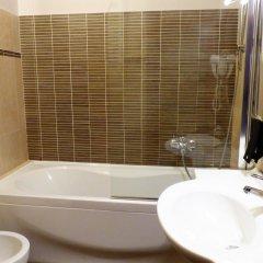 Отель Leon Bianco Италия, Сан-Джиминьяно - отзывы, цены и фото номеров - забронировать отель Leon Bianco онлайн ванная