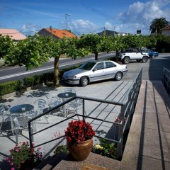 Hotel Alpina Вильянуэва-де-Ароса парковка