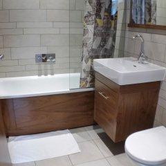Отель Buchanan Street 3 Bedroom Suite Великобритания, Глазго - отзывы, цены и фото номеров - забронировать отель Buchanan Street 3 Bedroom Suite онлайн ванная фото 2