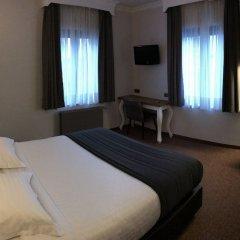 Hotel Chantecler Брюссель комната для гостей фото 5
