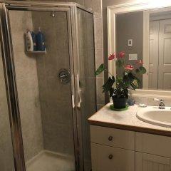 Отель The Sunshine House by Elevate Rooms Канада, Ванкувер - отзывы, цены и фото номеров - забронировать отель The Sunshine House by Elevate Rooms онлайн ванная