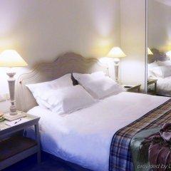 Royal Hotel Paris Champs Elysées комната для гостей