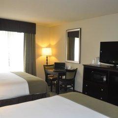 Отель Holiday Inn Express & Suites Sarasota East удобства в номере