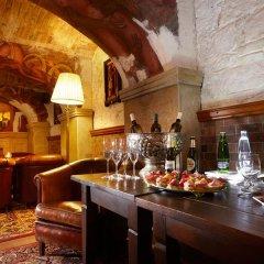 Отель U Pava Прага гостиничный бар