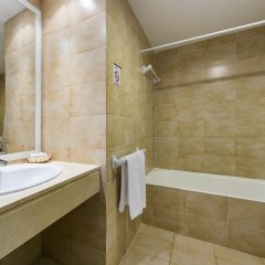 Отель Aparthotel Alcúdia Beach ванная фото 2