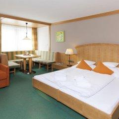 Отель Tyrolerhof Австрия, Хохгургль - отзывы, цены и фото номеров - забронировать отель Tyrolerhof онлайн комната для гостей