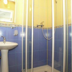 Гостиница Гурзуфские Зори в Гурзуфе отзывы, цены и фото номеров - забронировать гостиницу Гурзуфские Зори онлайн Гурзуф ванная