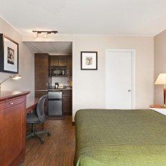 Отель Thriftlodge Saskatoon в номере