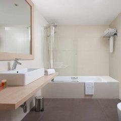 Отель NH Barcelona Stadium ванная