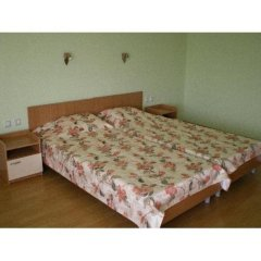 Отель Guest House Kiwi Болгария, Генерал-Кантраджиево - отзывы, цены и фото номеров - забронировать отель Guest House Kiwi онлайн сейф в номере