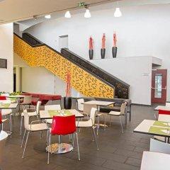 Отель 7 Days Premium Wien Вена гостиничный бар