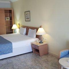 Отель Royal Lagoons Aqua Park Resort Families and Couples Only - All Inclusi комната для гостей фото 5