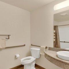 Отель Motel 6 Niagara Falls - New York США, Ниагара-Фолс - отзывы, цены и фото номеров - забронировать отель Motel 6 Niagara Falls - New York онлайн ванная фото 2