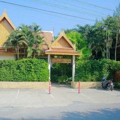 Отель Bangtao Village Resort парковка фото 2