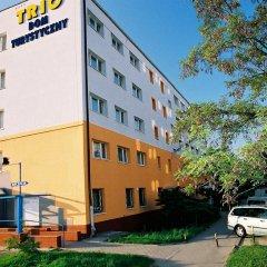 Trio Hostel Вроцлав парковка