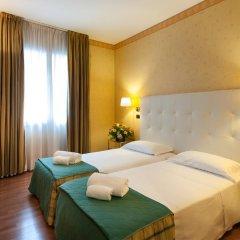 Отель Lombardia Италия, Милан - 1 отзыв об отеле, цены и фото номеров - забронировать отель Lombardia онлайн комната для гостей фото 2