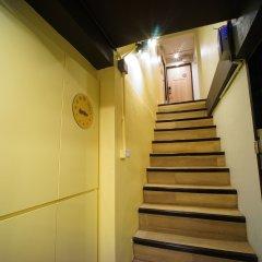 BRB Hostel Bangkok Silom сейф в номере
