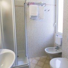 Hotel Charly ванная