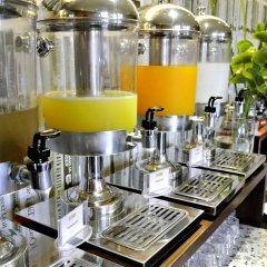 Отель Page 10 Hotel & Restaurant Таиланд, Паттайя - отзывы, цены и фото номеров - забронировать отель Page 10 Hotel & Restaurant онлайн питание